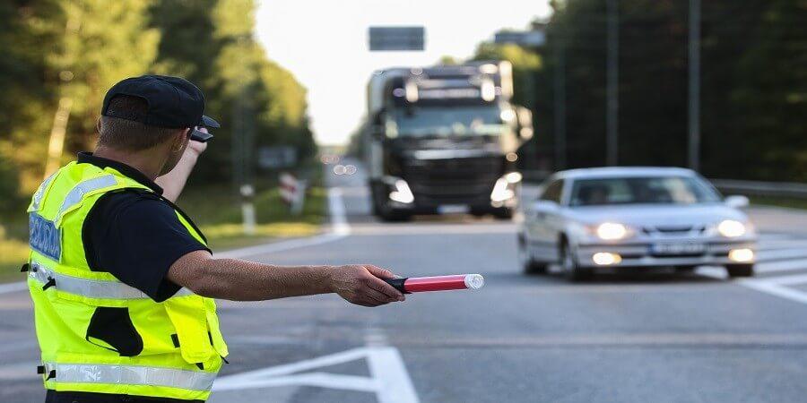 אי ציות להוראות שוטר במדים - איתמר צור עורך דין תעבורה