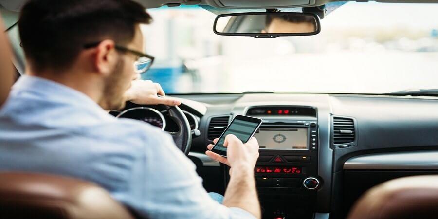 קנסות ועונשים בגין שימוש בטלפון הנייד בזמן נהיגה ברכב